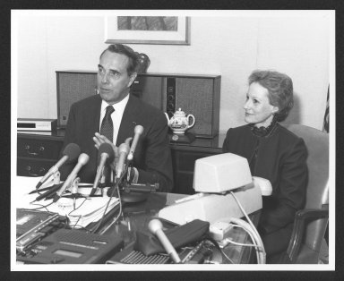 Senator Bob Dole and Nancy Kassebaum during press conference, 1984
